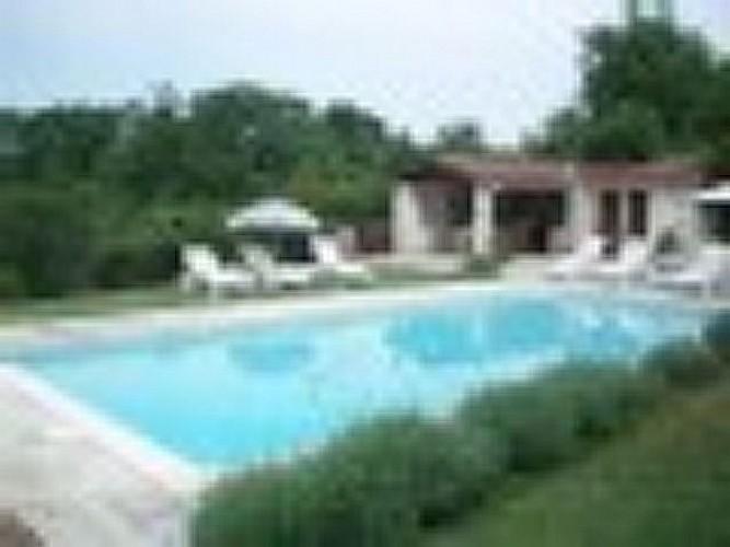 Gîte à Basile 47150 monségur - piscine et pool house [800x600]