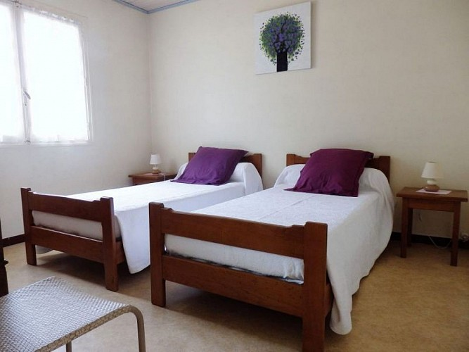 Domaine de Laroque - Chalet 1 - Chambre lits simples
