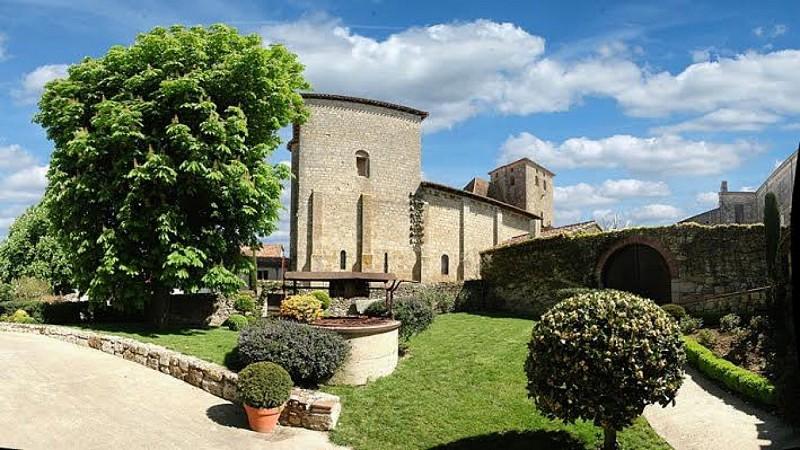 chateau-aubiac-exterieur-destination-agen-tourisme