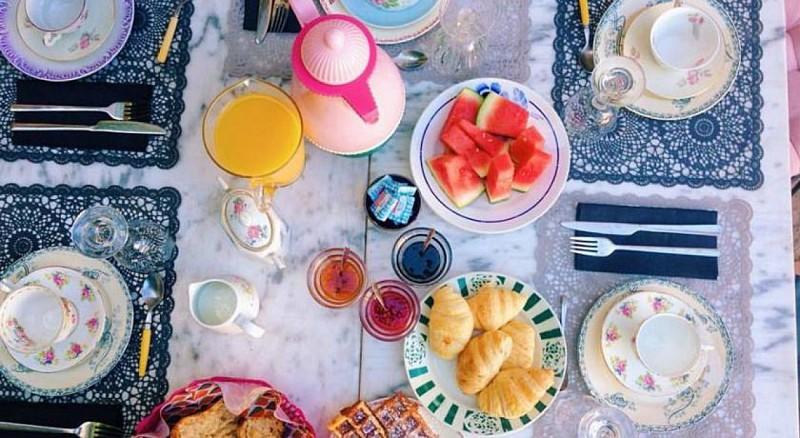maison bleue - petit déjeuner