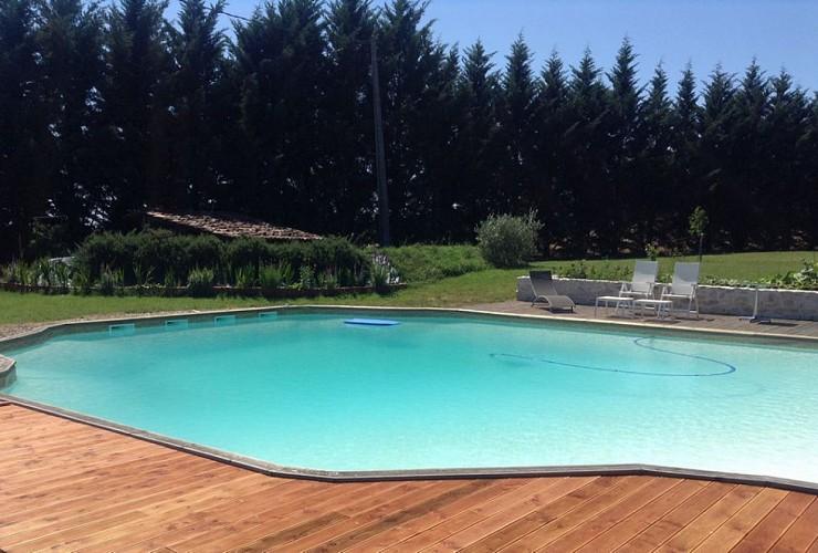 La-Pierre-Blanche---Sauvetat-sur-Lede---piscine--800x600-