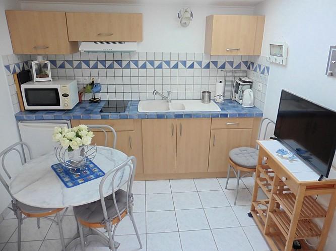 Maisonnette-Refauvelet-Boucau-salon-cuisine