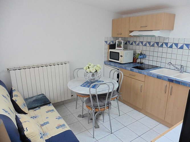 Maisonnette-Refauvelet-Boucau-salon-cuisine-08