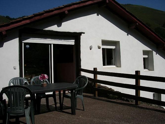 Location Rozen - RDC - entrée grand appartement - Estérençuby