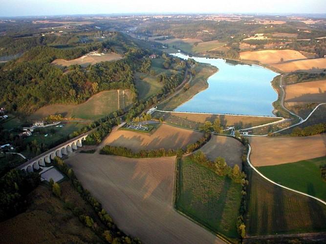 bajamont-vue-lac-peche-destination-agen-tourisme