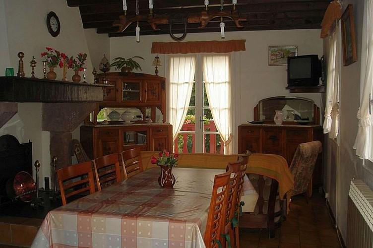 Location Erramoun - Salle à manger - Ascarat