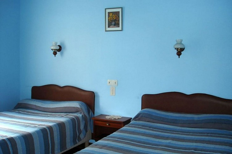 Location Erramoun - Chambre bleue 2 lits - Ascarat