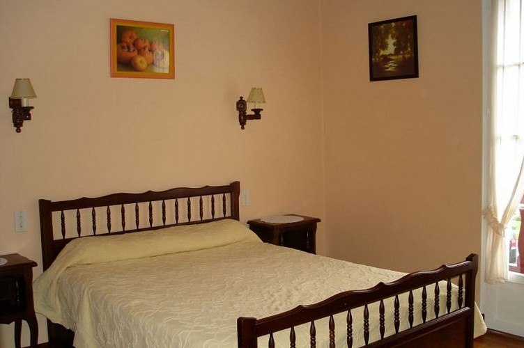 Location Erramoun - Chambre grand lit - Ascarat
