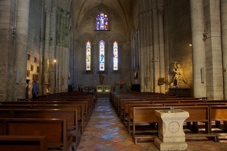 Abbatiale Saint-Pierre de Brantôme_4