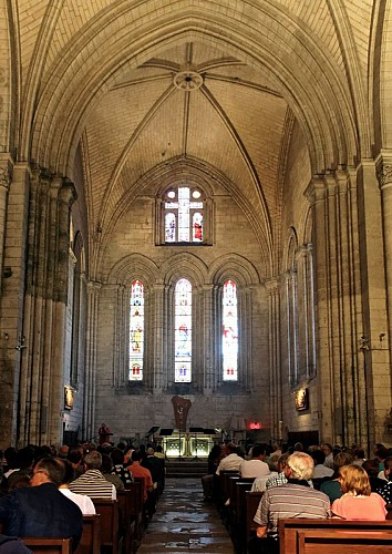 Abbatiale Saint-Pierre de Brantôme_3