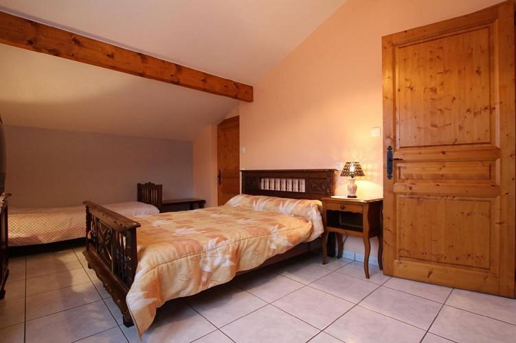 Maison Azcona chambre deux lits - St Etienne de Baigorry