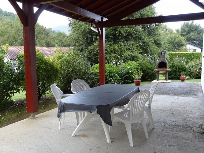 Maison Azcona terrasse - St Etienne de Baigorry