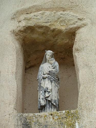 Eglise- St Sauveur- Lalande- statue- extérieure