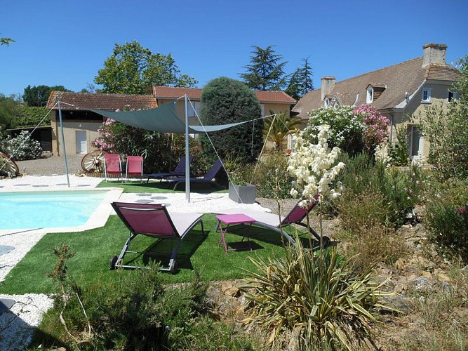 Coin piscine auvent