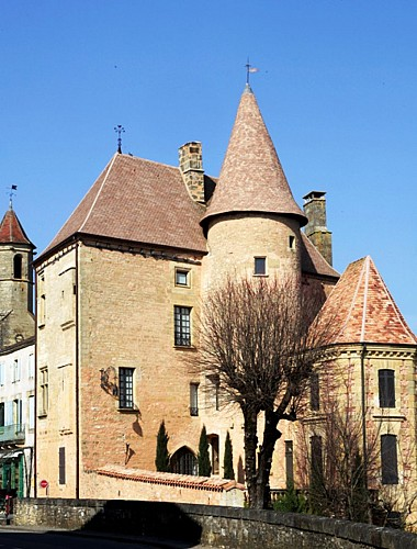 chateaudebelves