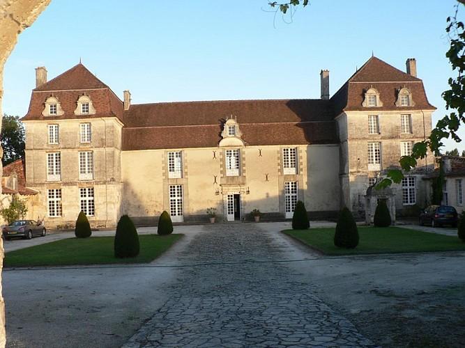 Château de Clauzuroux - Champagne Fontaines - Extérieur jpg