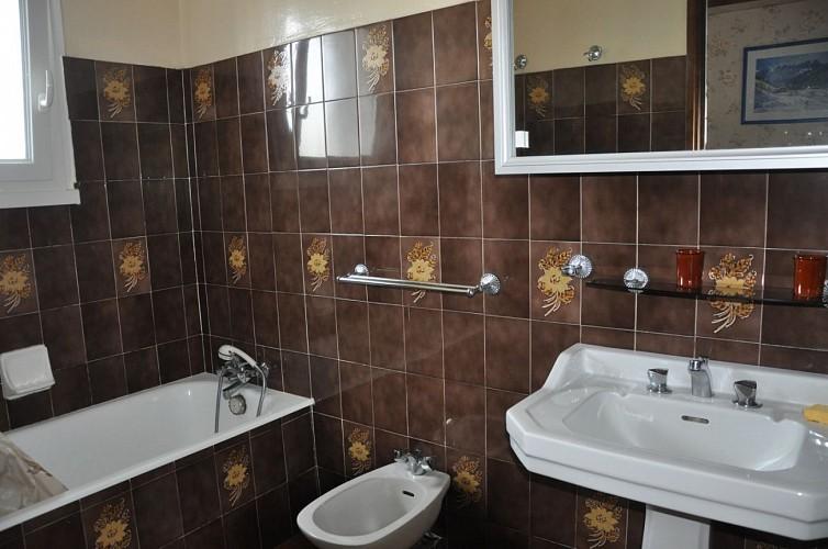 Ainciart-Salle de bain