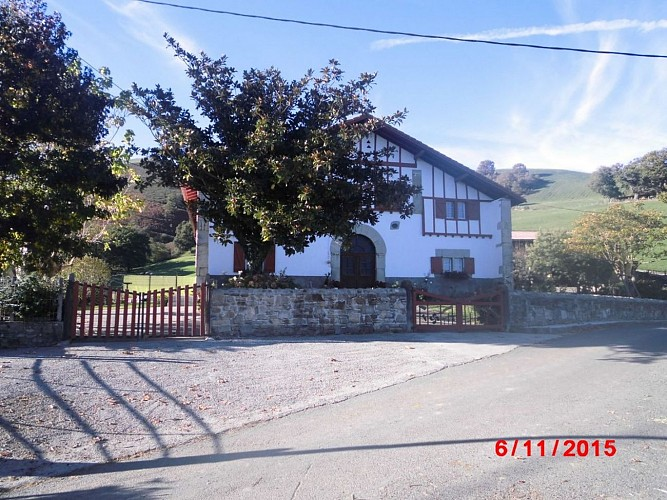 Location Larraburu-Hélette