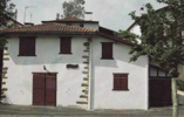 Maison Oroitzapena
