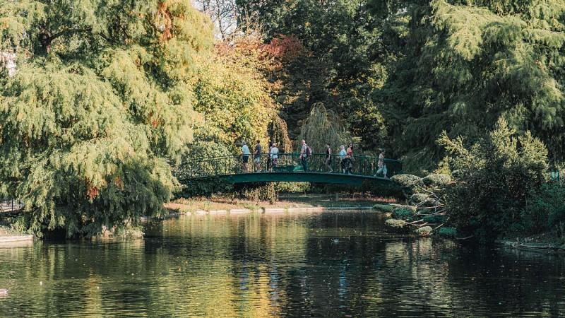 Jardin-public, le pont en fer