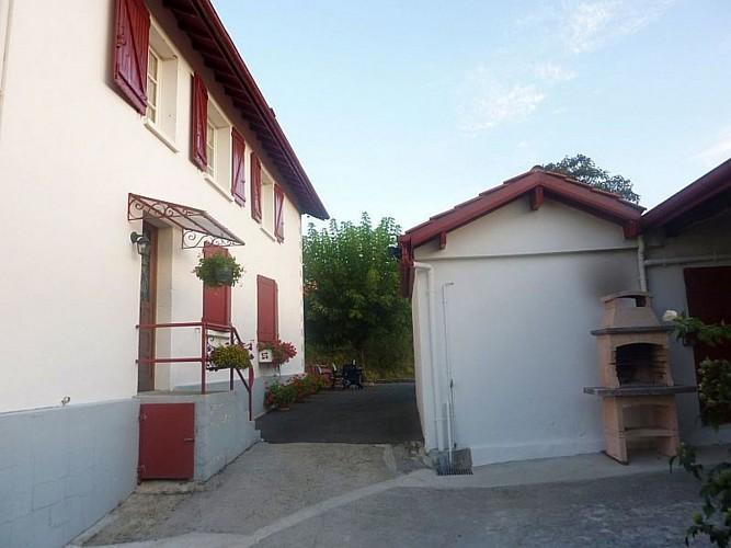 Appartement-Ybargaray-entree-location---Lacarre