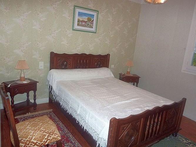 Appartement-Ybargaray-chambre-lit-double-blanc---Lacarre