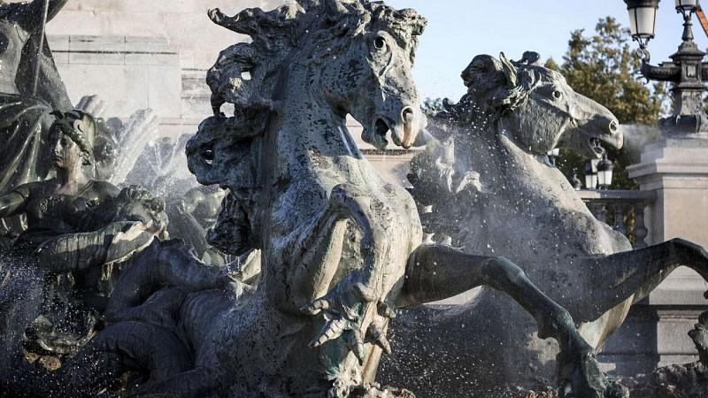 Quinconces-Monument-aux-Girondins-Fontaine-David-Remazeilles-1