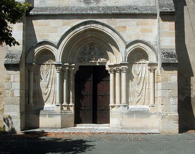 Eglise d'Etauliers porte principale
