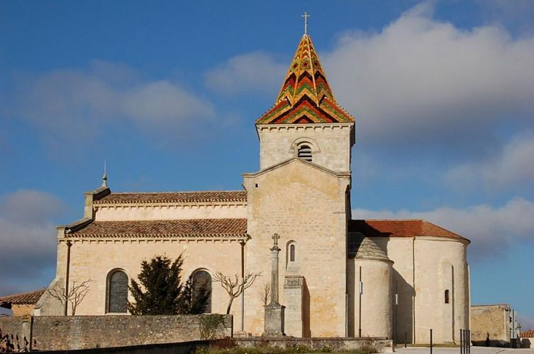 eglise-saint-pierre-cars-800x600-clocher