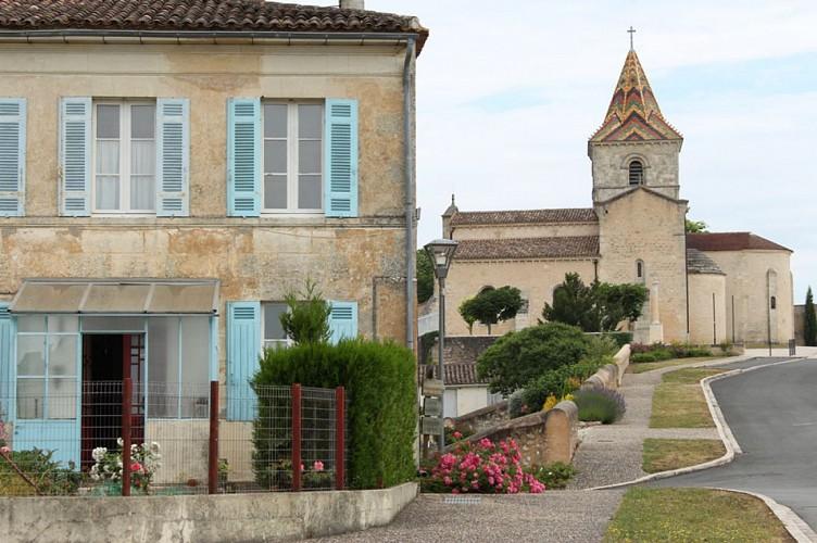 eglise-saint-pierre-cars-village-800x600