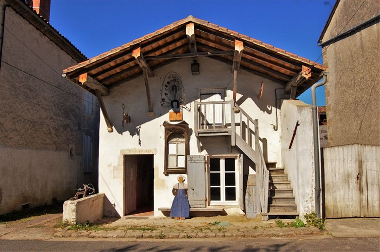 Village_Villandraut_Musée_Mairie_4_800