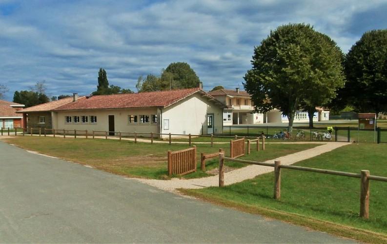 Village_Villandraut_école_Mairie_1_800