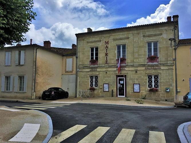 Village_Villandraut_Mairie_3_800