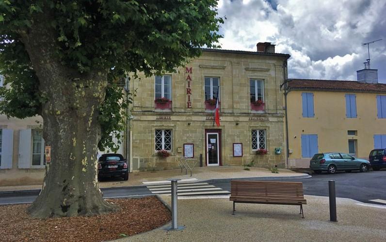 Village_Villandraut_Mairie_4_800