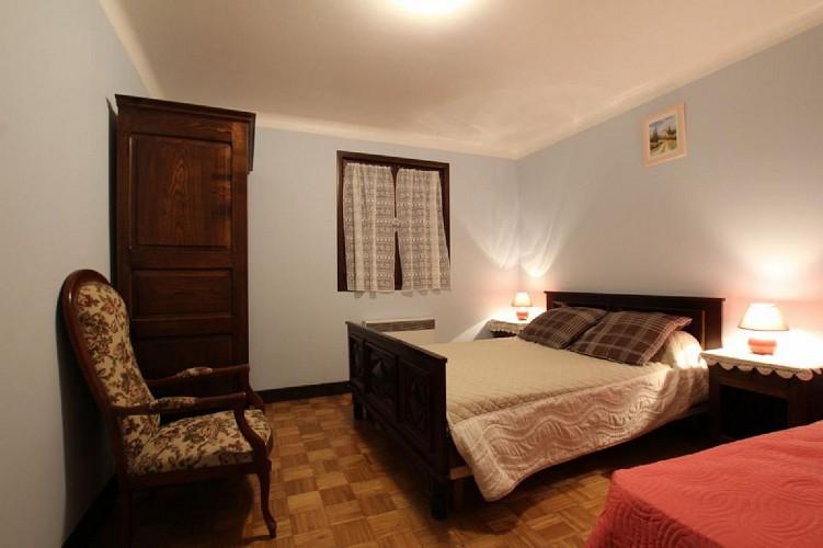 Appartement Ocafrain chambre deux lits - St Etienne de Baigorry