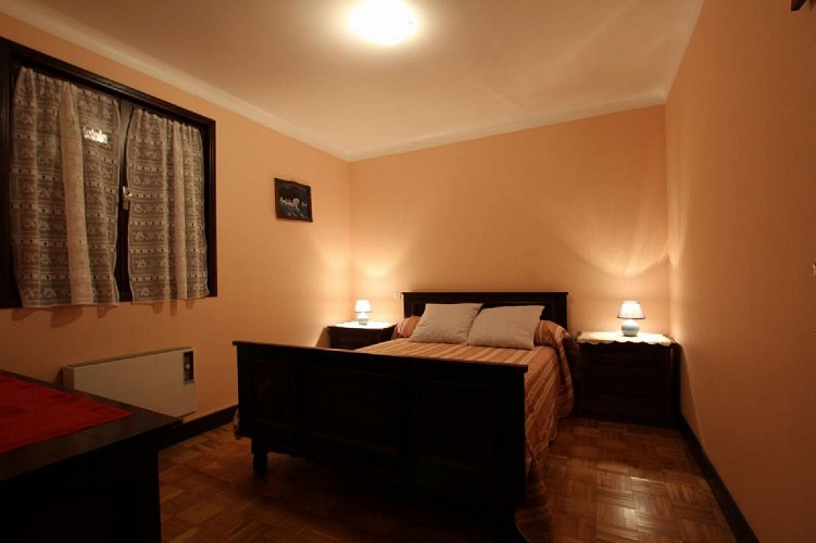 Appartement Ocafrain chambre lit double - St Etienne de Baigorry