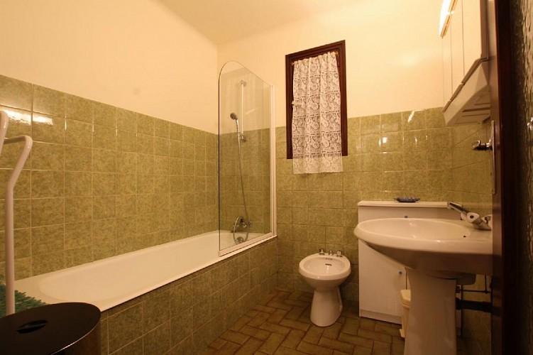 Appartement Ocafrain salle de bain - St Etienne de Baigorry