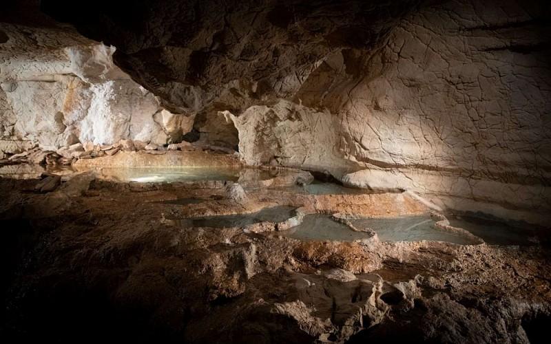 Grottes_de_Sare_gens_lac