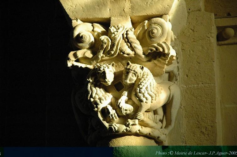 chapiteau lions cathédrale de Lescar