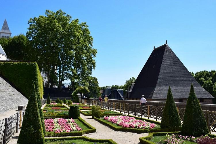 Musée National du Château de Pau - Pau - Château et basse plante