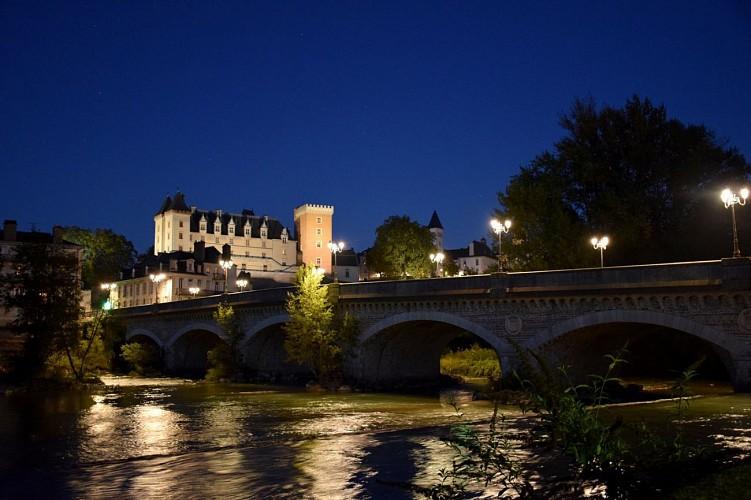 Musée National du Château de Pau - Pau - Château depuis Pont du XIV Juillet