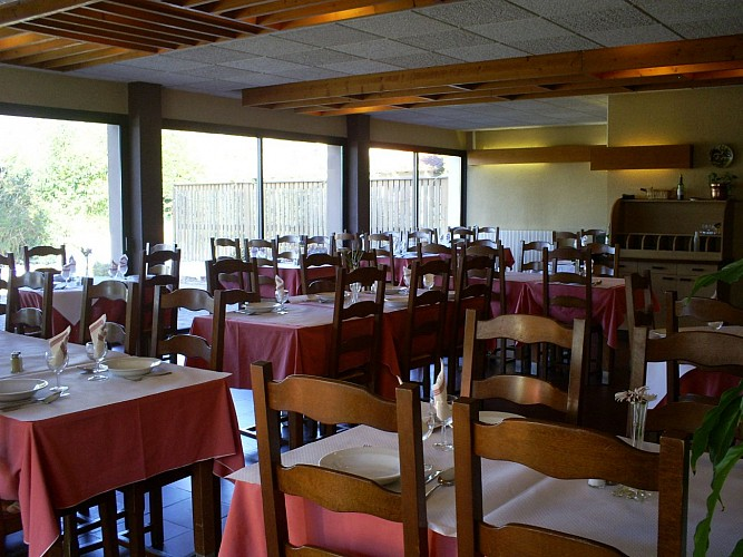 Restaurant - Hôtel - Roquefort - Le Colombier   - Salle (2)