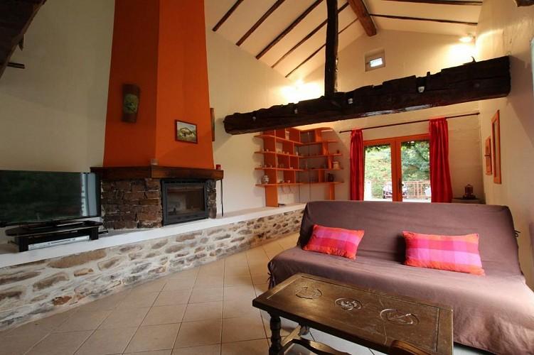 maison-lascor-coin-salon-hosta