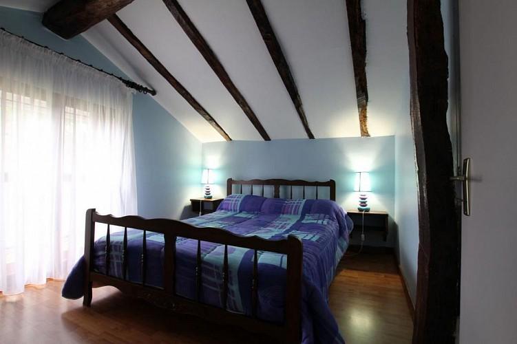 maison-lascor-chambre-lit-double-hosta