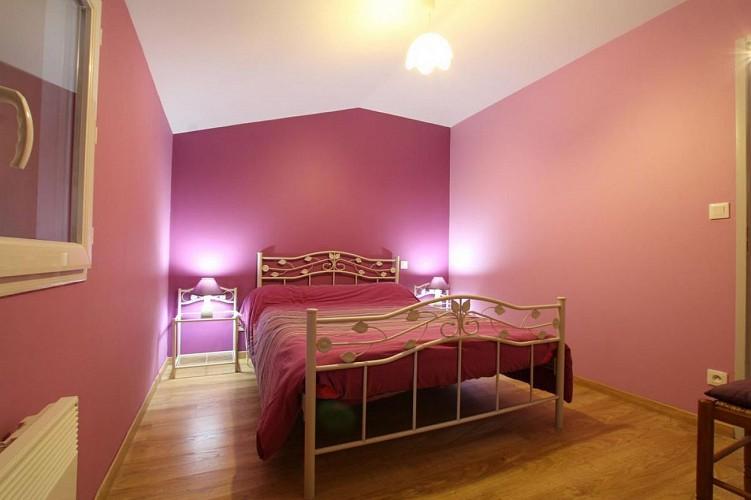 maison-lascor-chambre-lit-double-rose-hosta