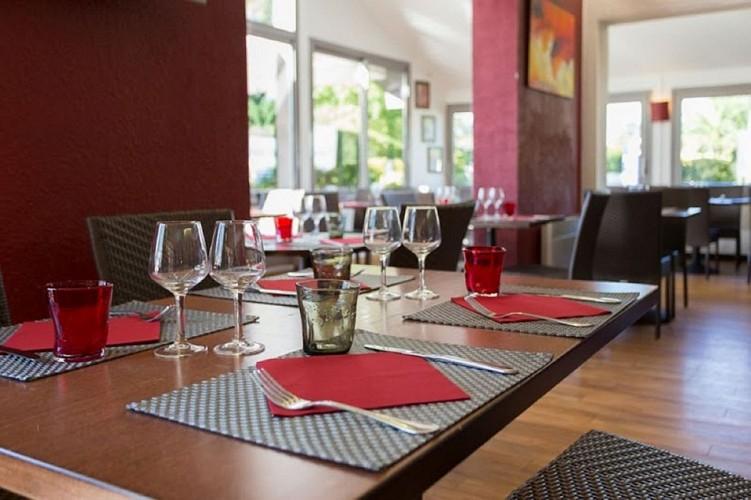 RestaurantAmarystable