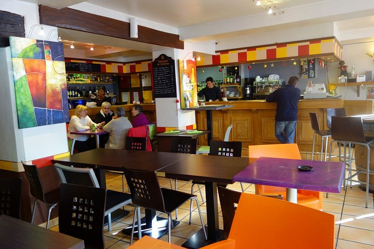 Bar restaurant les Platanes - 64120 saint-Palais (14)