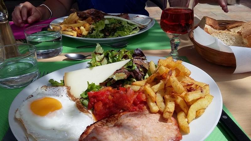 Restaurant Lafitte - 64120 Saint-Palais Pays Basque (2)