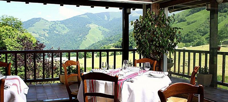 Hotel-Etchemaite-terrasse