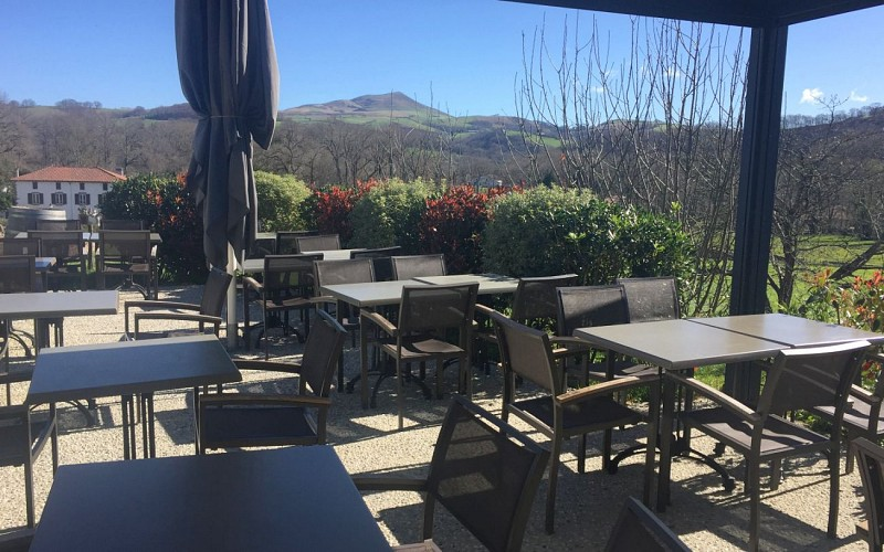 Pergola-Restaurant-du-Chene-Itxassou-1440x900